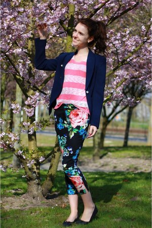 black floral H&amp;M pants - navy Mango blazer - pink knitted Primark shirt
