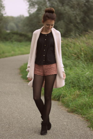 black Primark boots - coral lace Forever21 shorts - black Primark top