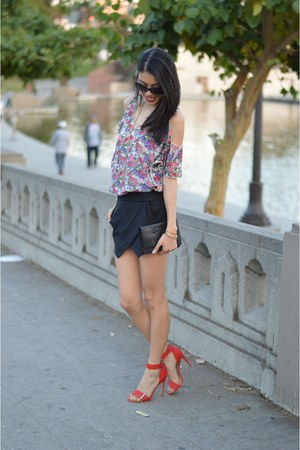 Lovers  Friends top - Steve Madden shoes - Zara shorts
