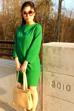green H&M dress - caviar Chanel bag