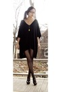 Black-babooshka-dress-gold-trifari-necklace-black-no-nonsense-tights-black