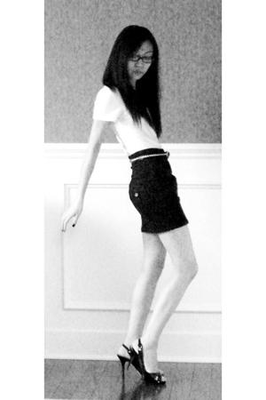 Gap t-shirt - Forever21 skirt - Target belt - Guess shoes