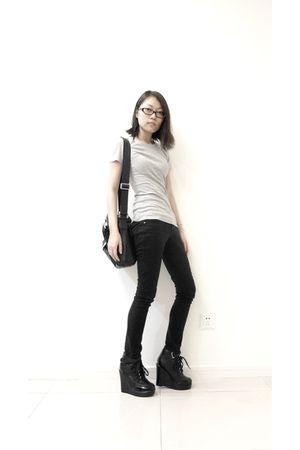 gray Gap shirt - black Delias jeans - black shoes - black