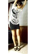 Hanes t-shirt - Forever21 - Urban Outfitters skirt - Michael Kors