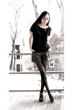 black Forever 21 top - gray Forever 21 shorts - black tights - green Nine West s