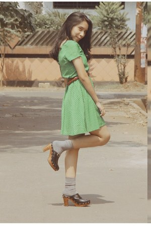 chartreuse polkadot dress - heather gray socks - dark brown braided belt