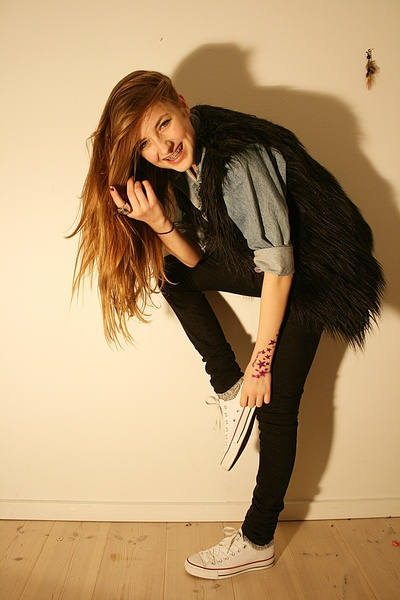 black BikBok vest - black BikBok jeans - white Converse shoes - blue Levis jacke