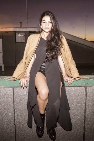 black Pimkie boots - camel Stradivarius coat - black storets shorts