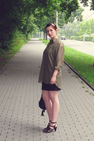 green H&M blouse - black H&M skirt - black asos purse - black shoes