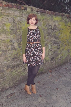 camel asos boots - black Awear dress - black Primark tights - camel H&M belt - g