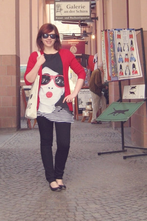 black Motel dress - black H&M jeans - off white H&M bag - red Zara cardigan - bl