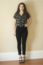 turquoise blue vintage top - black high waisted wilfred jeans