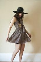 coral 90s floral vintage dress - black woven vintage hat - tawny two tone vintag