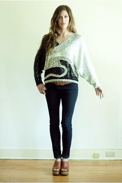 black skinny Seven For All Mankind jeans - white vintage blouse - tawny vintage
