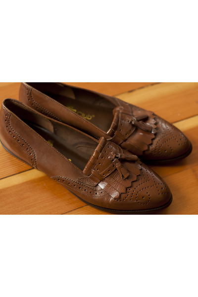 brown vintage leather Hunt Club loafers