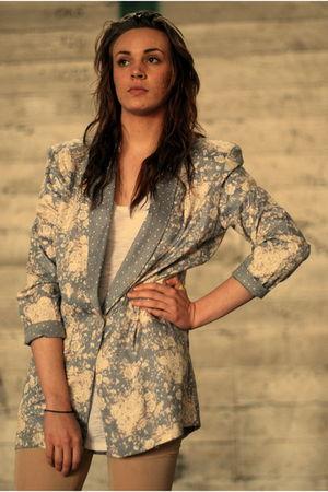 silver blazer - beige - blue - white - pink