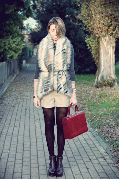 beige Rinascimento vest - dark brown asoscom boots - maroon vintage bag