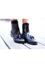 Black-blocco31-boots-hot-pink-à-la-fois-dress-mustard-à-la-fois-cardigan