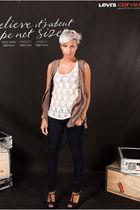 blue Levis jeans - gray Lautre Chose shoes - beige pull&bear top
