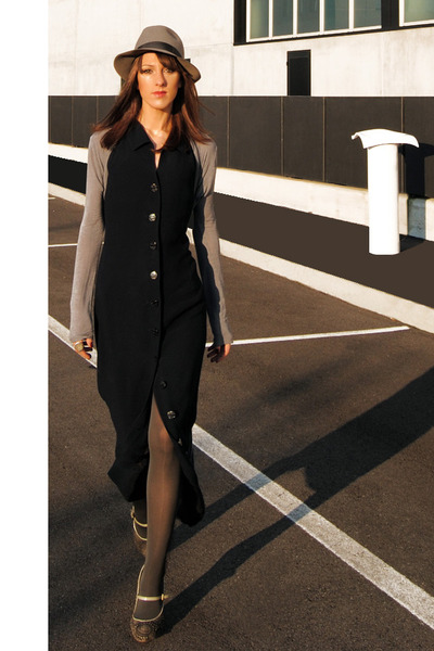 Borsalino hat - hat - vintage dress - Trabattoni heels