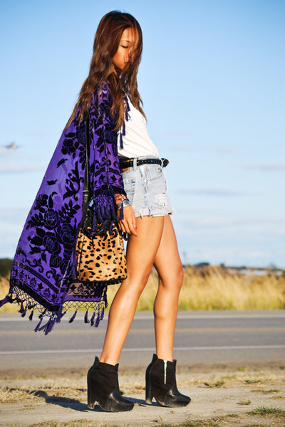 beige Alexander Wang bag - black sam edelman boots - purple vintage jacket
