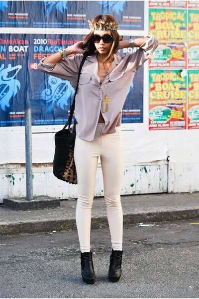 beige silk pocket vintage blouse - black sam edelman boots