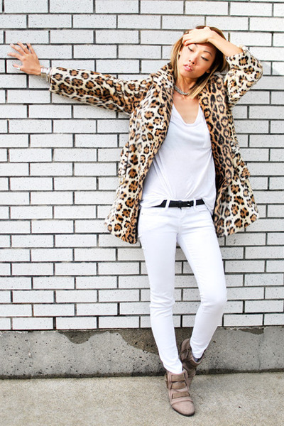 tan Zara boots - white blank jeans jeans - beige We Move Vintage jacket