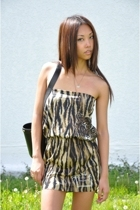 brown tiger print vintage dress - black bucket DKNY purse