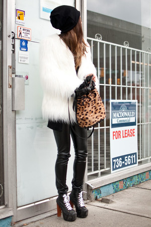 beige Alexander Wang bag - black Jeffrey Campbell boots