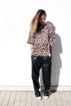 Stella McCartney top - black Front Row Shop pants - white pumps Zara pumps