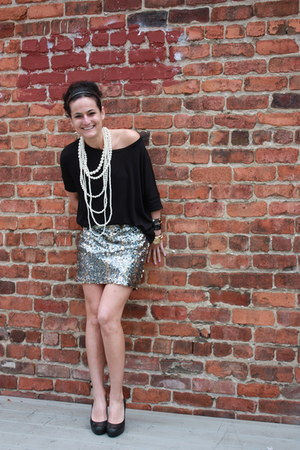 black Renee K top - silver Y and I skirt - black Jessica Simpson heels