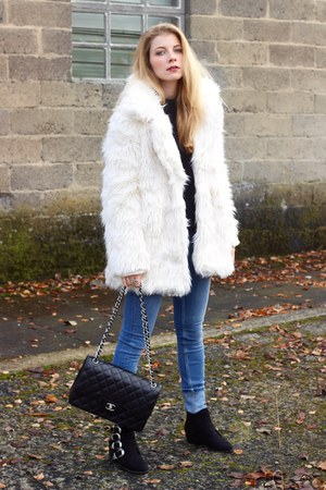 ivory Company Fantastica coat - black Forever 21 boots - light blue asos jeans
