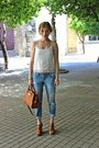 Light-blue-levis-jeans-brown-michael-kors-purse
