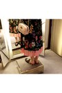 Salmon-gucci-dress-light-pink-gucci-purse-black-gucci-loafers