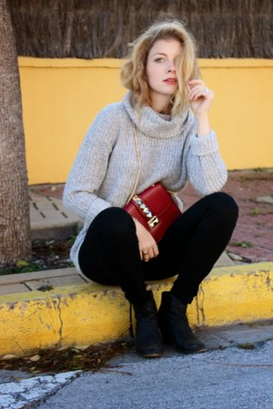 black Aldo boots - heather gray Forever 21 sweater - maroon IMSOSE purse