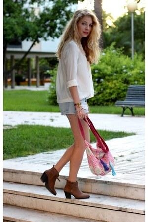 bubble gum pieces purse - tan Forever 21 boots - light blue Zara shorts