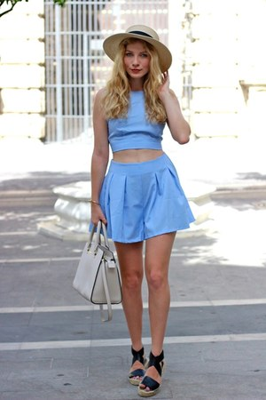 sky blue stylemoinu shorts - tan Ale-Hop hat - white Michael Kors purse