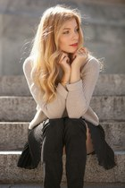 black Stradivarius boots - heather gray Mango sweater - black Costa Blanca skirt