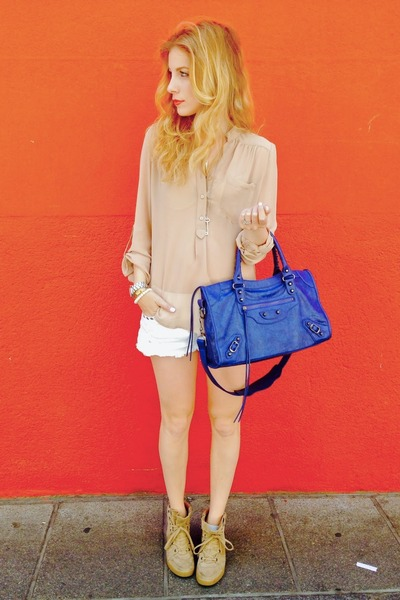 navy MINUSEY purse - white Forever 21 shorts - tan Forever 21 blouse
