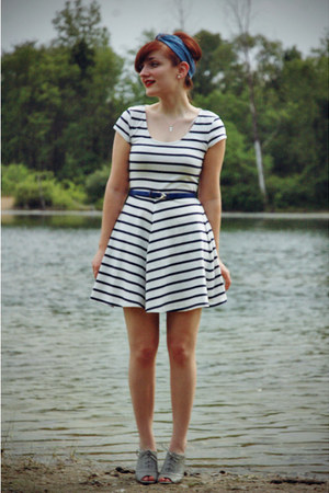 white striped H&M dress - turquoise blue modcloth scarf - navy thrifted belt