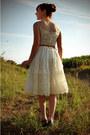 Ivory-vintage-dress-mustard-forever-21-belt-teal-payless-wedges