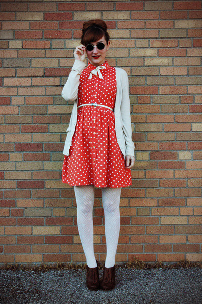 red polka dot Forever 21 dress - dark brown oxford heels Charlotte Russe shoes
