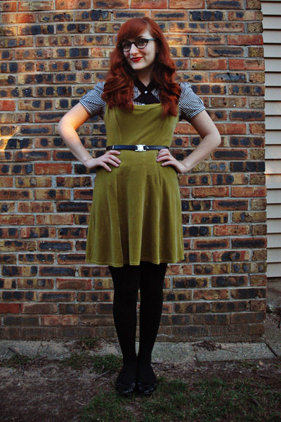 black thrifted shoes - olive green velvet vintage dress - black merona tights