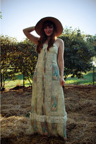 cream mucha print vintage dress - bronze vintage hat - bronze Forever 21 sandals