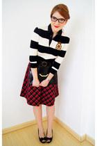 red Dazz skirt - black asos purse - black stretchy belt Nine West belt