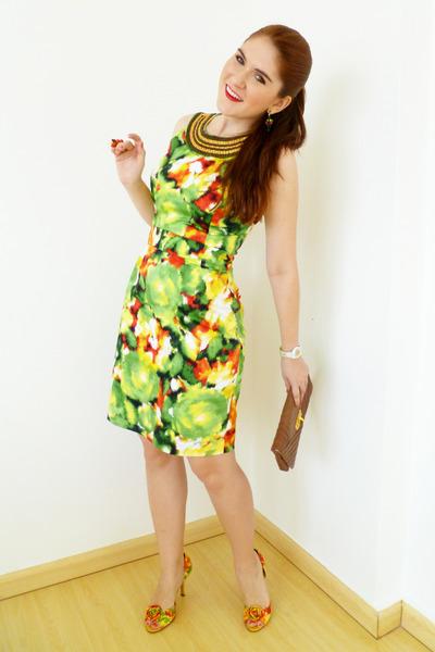 chartreuse Alfani dress - brown clutch via vai bag
