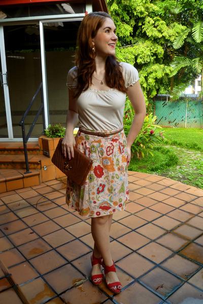 dark brown clutch Urban Expressions purse - light yellow floral print DMBM skirt