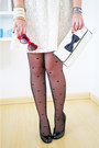 Black-heart-tights-asos-tights-ivory-lace-dress-forever-21-dress