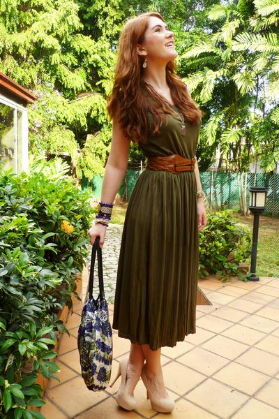 olive green midi dress dress - deep purple floral bag - tawny Forever 21 belt