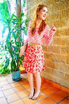 red floral skirt skirt - cream striped top Forever 21 shirt